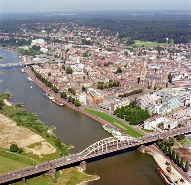 Arnhem has several bridges