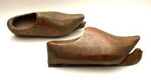 skates as clogs